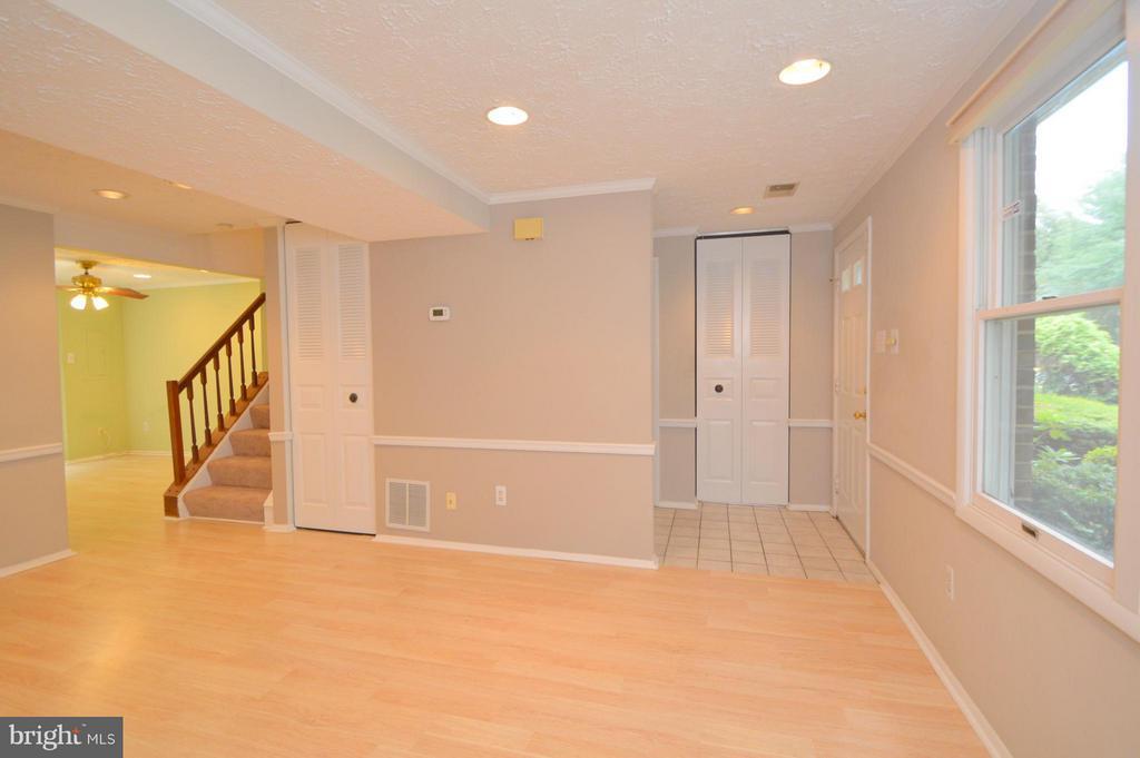 Living Room - 8806 NEWINGTON COMMONS RD, LORTON
