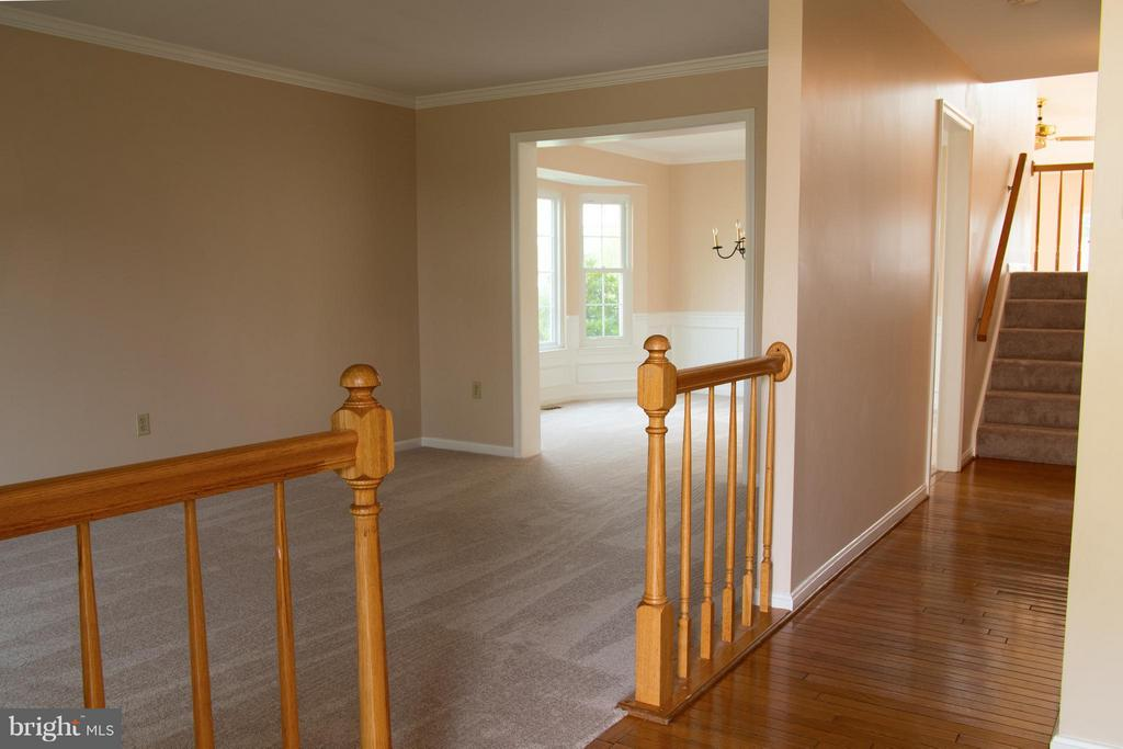 Living Room with new Carpet - 5404 LOMAX WAY, WOODBRIDGE