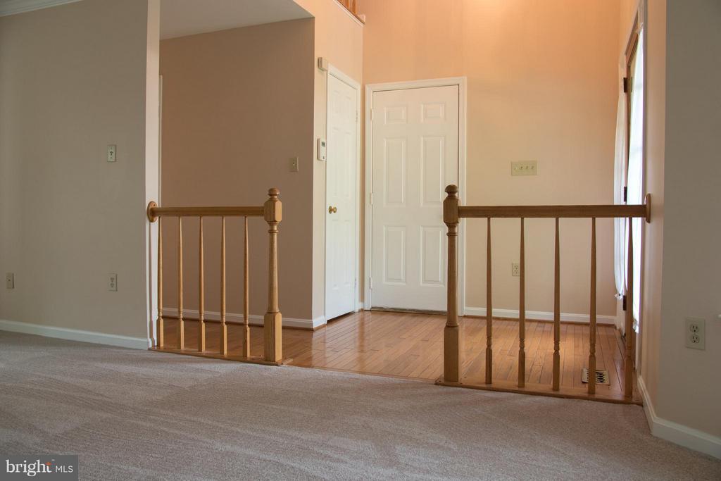 Living Room view into Foyer - 5404 LOMAX WAY, WOODBRIDGE