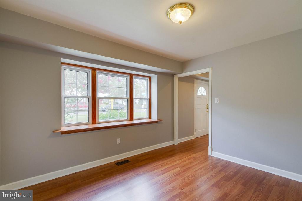 Another room with many purposes and lots of light! - 13127 PENNYPACKER LN, FAIRFAX