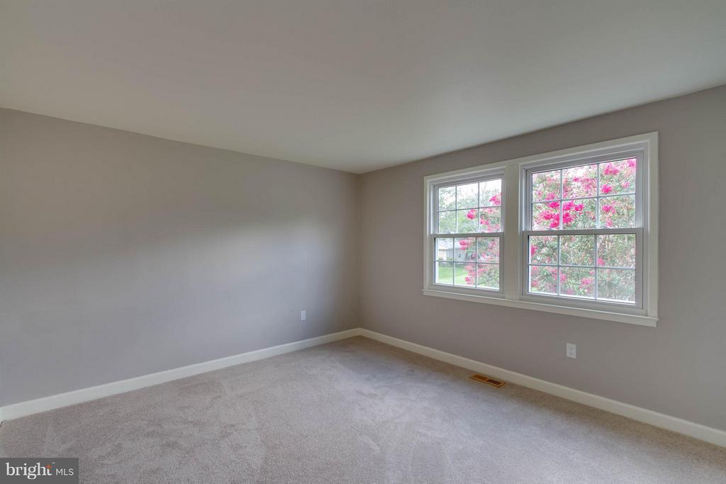Bedroom 3 is so big and has a great closet - 13127 PENNYPACKER LN, FAIRFAX
