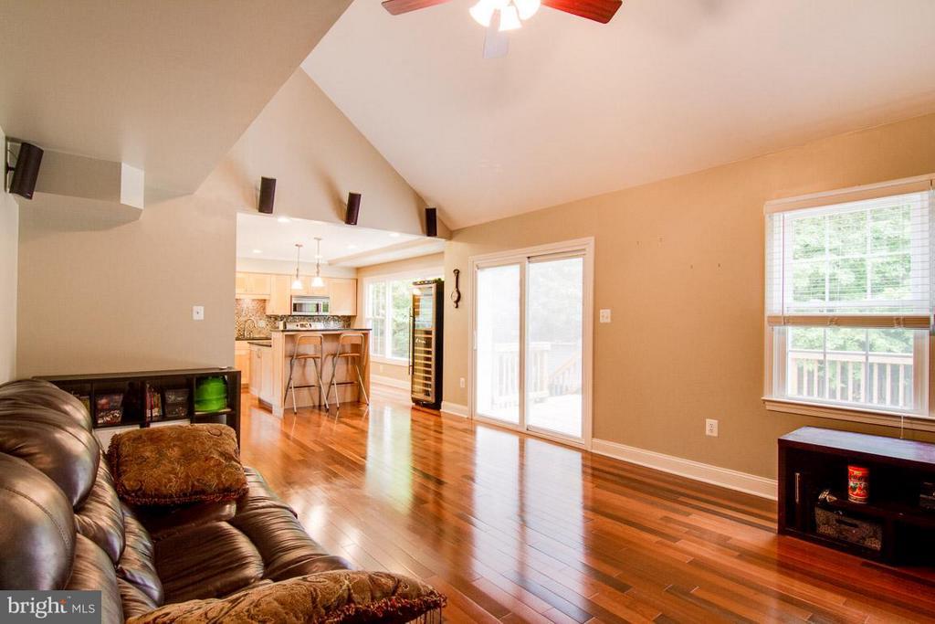 Family Room - 9908 HAWTHORN HILL CT, MANASSAS