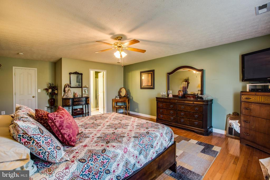 Master bedroom - 4014 DERBYSHIRE LN, FREDERICKSBURG