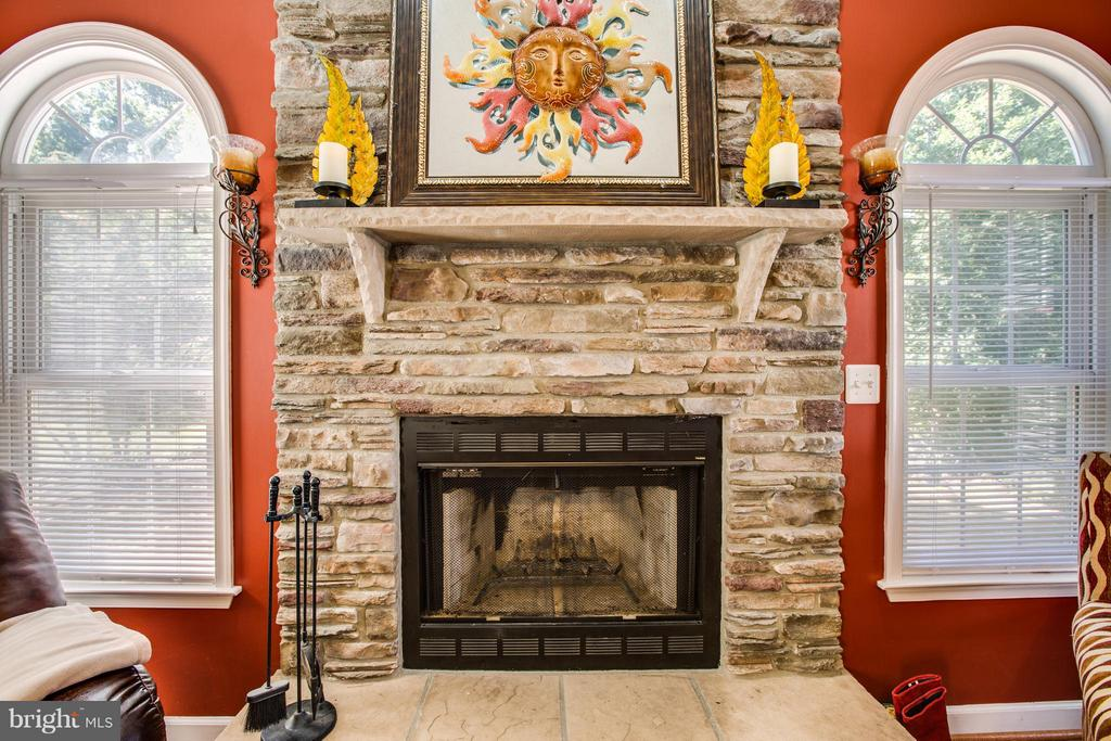 Living Room features a magnificent rock fireplace - 4014 DERBYSHIRE LN, FREDERICKSBURG