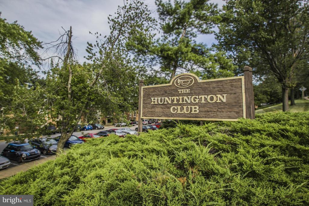 Huntington Club - 2600 INDIAN DR #83, ALEXANDRIA