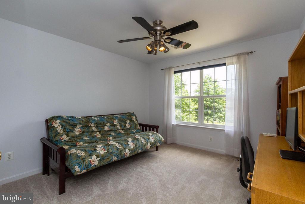 Second bedroom - 320 ALABAMA DR, HERNDON