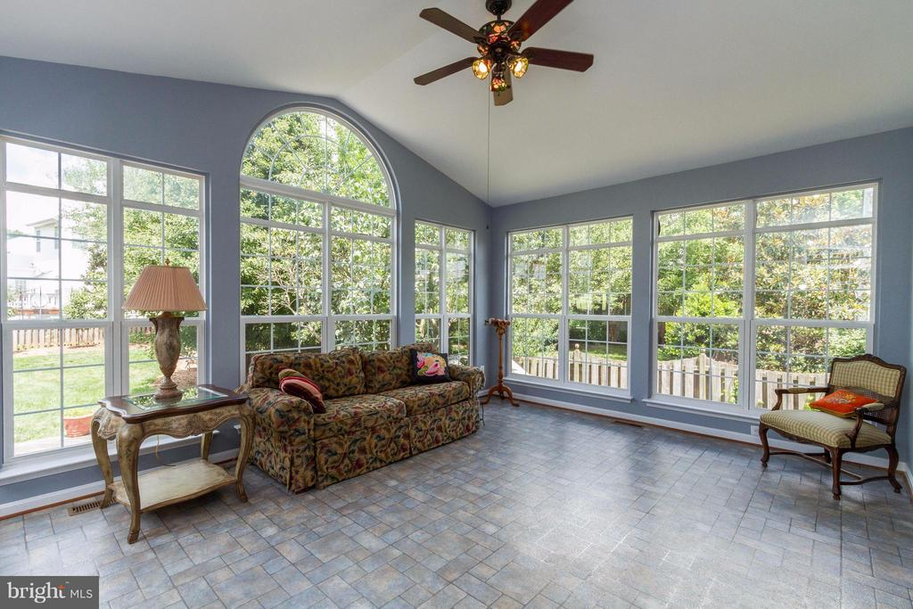 Is too much sun possible? - 320 ALABAMA DR, HERNDON