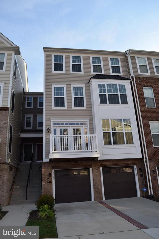 Exterior (Front) - 42195 CANARY GRASS SQ, ALDIE