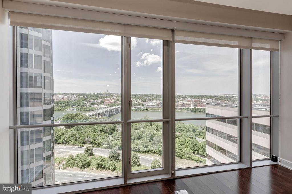 View from the living room - 1111 19TH ST N #2001, ARLINGTON