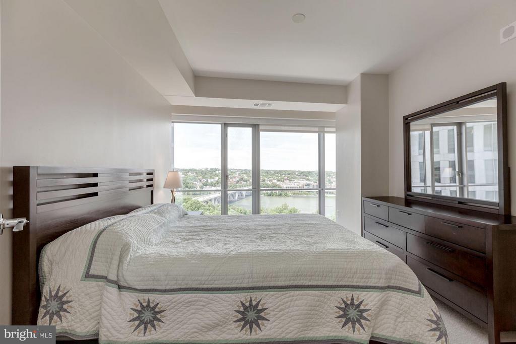 Bedroom (Master) - 1111 19TH ST N #2001, ARLINGTON