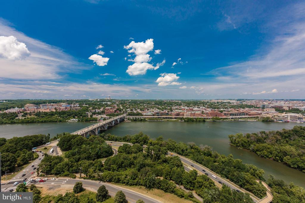 Best views in the entire area - 1111 19TH ST N #2001, ARLINGTON