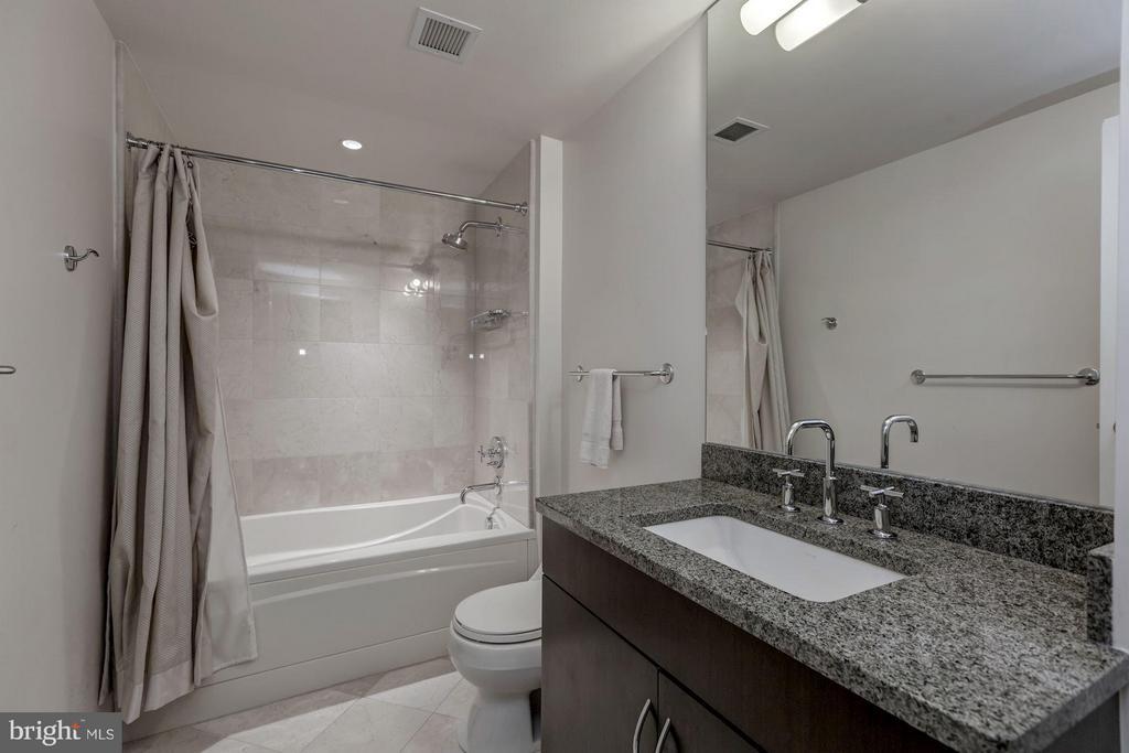 Second bathroom - 1111 19TH ST N #2001, ARLINGTON