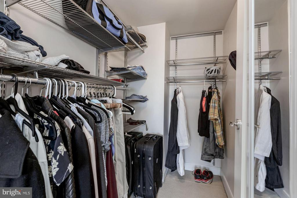 Master walk-in closet - 1111 19TH ST N #2001, ARLINGTON