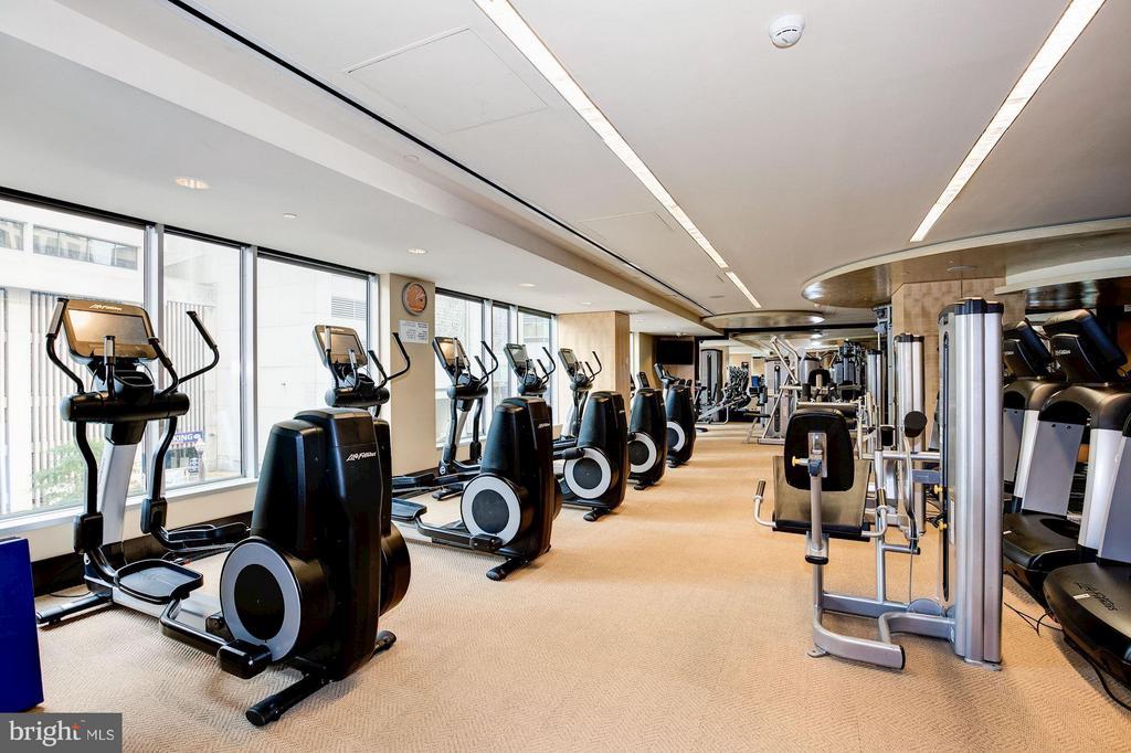 Fitness center - 1111 19TH ST N #2001, ARLINGTON