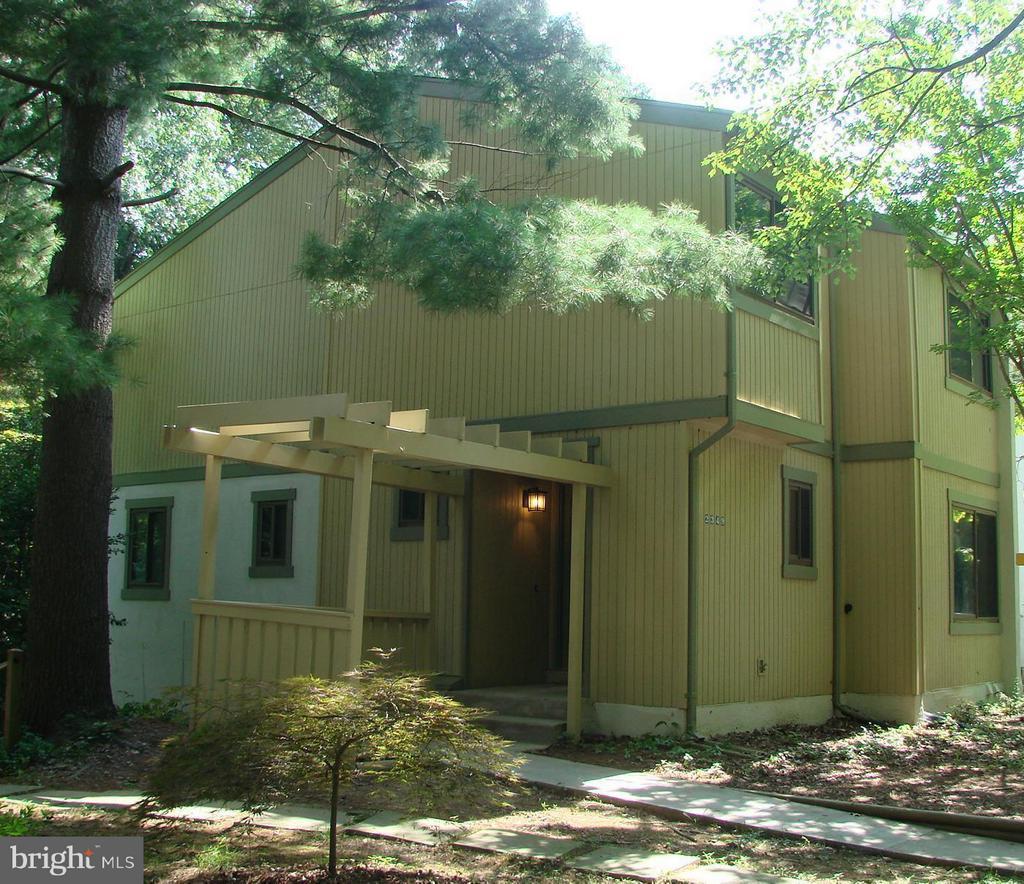 Exterior (Front) - 2349 MILLENNIUM LN, RESTON