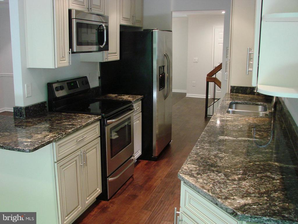 Kitchen - 2349 MILLENNIUM LN, RESTON