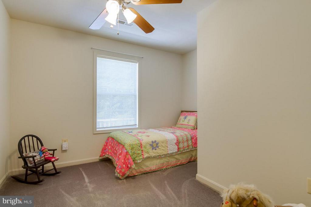 Bedroom 4- Upper Level - 10 JUSTIN CT, STAFFORD