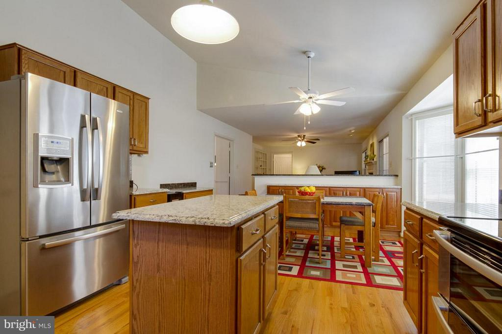 Upgraded Stainless Steel Appliances - 10 JUSTIN CT, STAFFORD