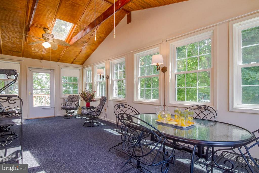 Sun Room with Access to Deck off Family Room - 10 JUSTIN CT, STAFFORD