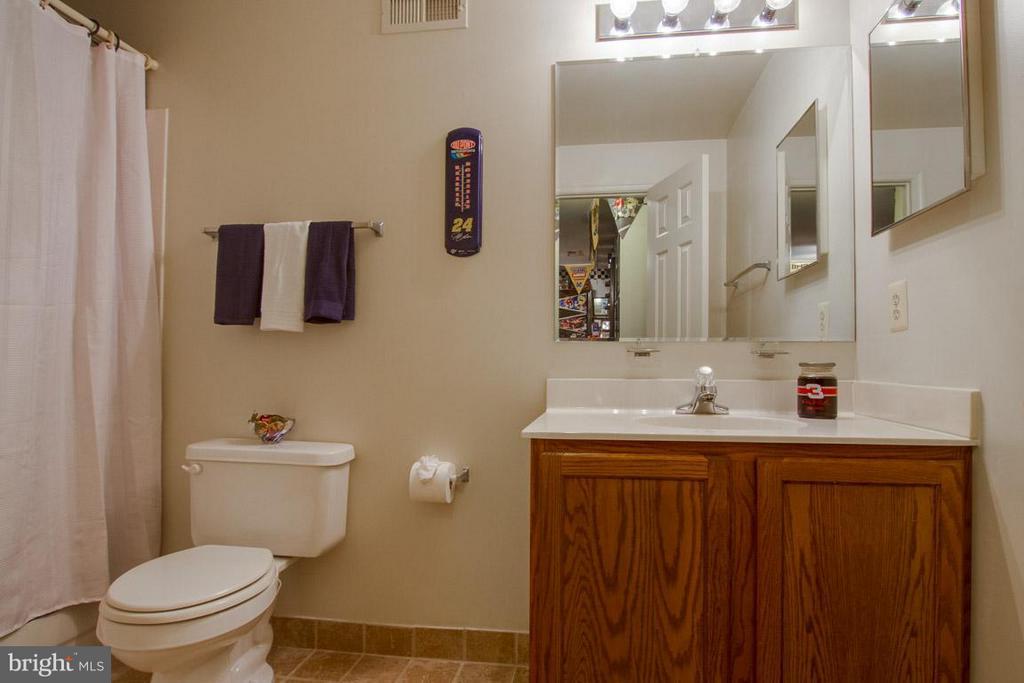 Full Bath 4 in Basement - 10 JUSTIN CT, STAFFORD