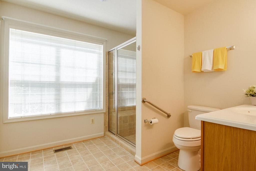 Full Bath 3 includes Shower with Seat - 10 JUSTIN CT, STAFFORD