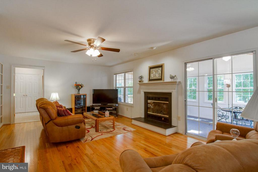 Family Room with Gas Fireplace - 10 JUSTIN CT, STAFFORD