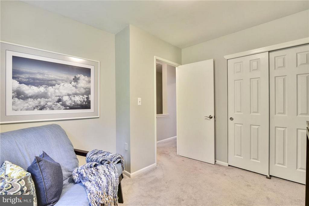 Plenty of storage in bedroom closet - 2846B WAKEFIELD ST S #B, ARLINGTON