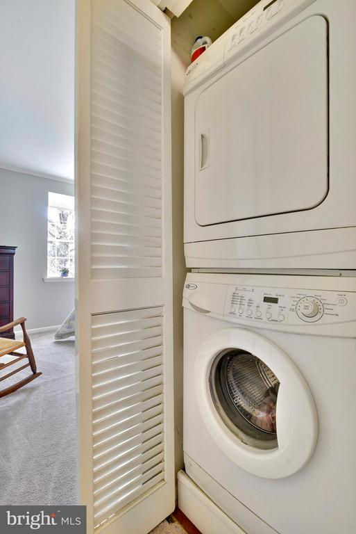 Laundry closet with stacked washer/dryer in unit! - 2846B WAKEFIELD ST S #B, ARLINGTON