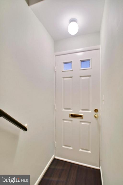 Entrance with steps leading to main level - 2846B WAKEFIELD ST S #B, ARLINGTON