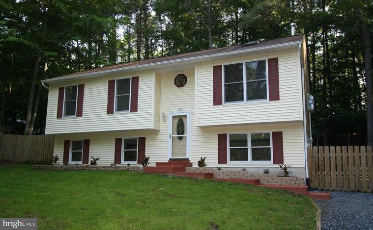 Photo of home for sale at 326 Coyote Trail, Lusby MD