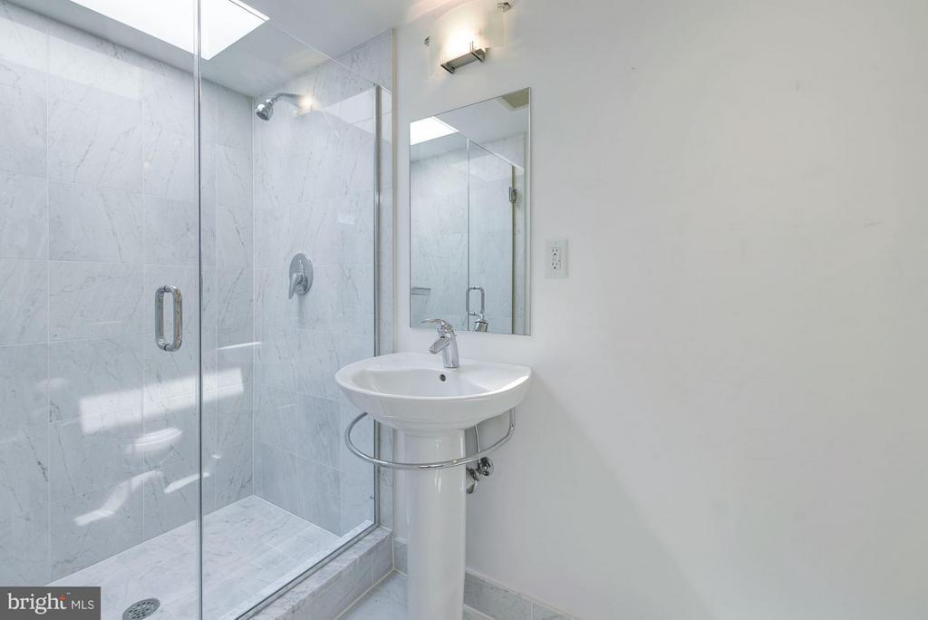 Bathroom #2 - 1916 12TH ST NW #2, WASHINGTON