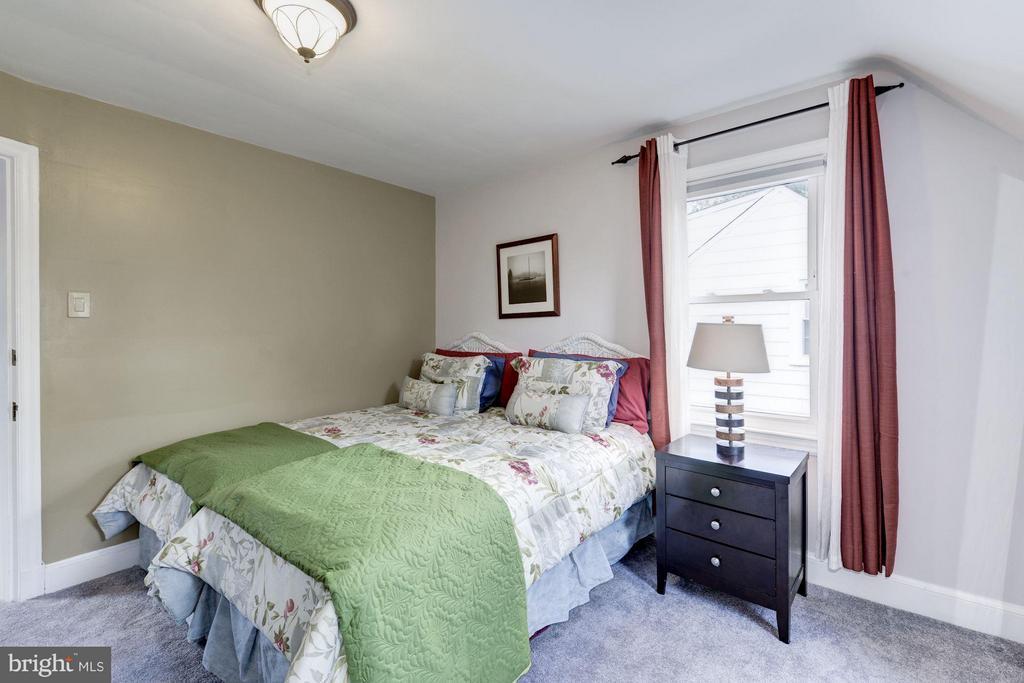 Bedroom - 6208 SLIGO MILL RD NE, WASHINGTON