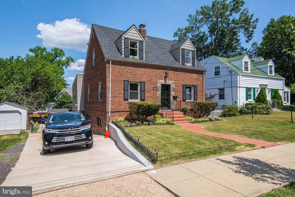Exterior (Front) - 6208 SLIGO MILL RD NE, WASHINGTON