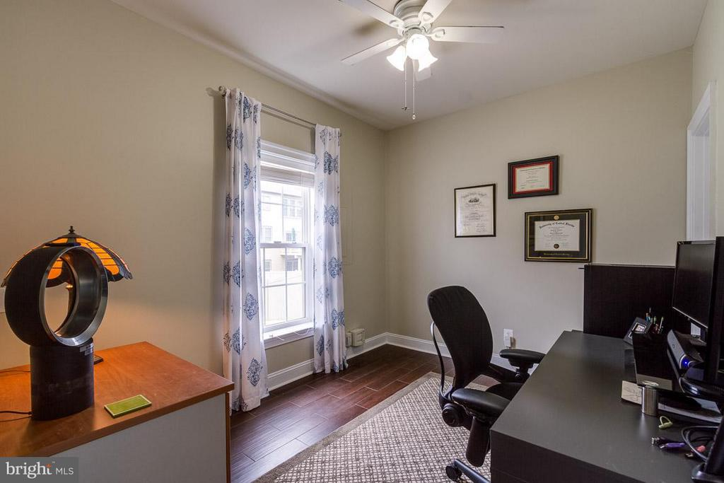 4th Bedroom in Basement - 510 RED RASPBERRY TER, LEESBURG