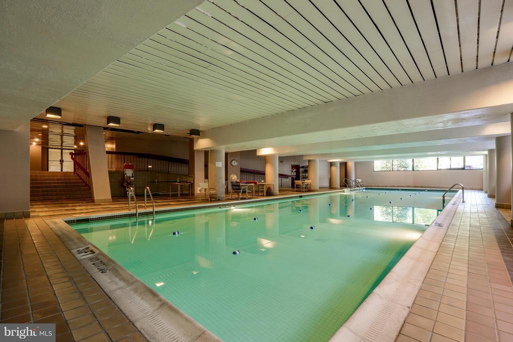 Indoor pool. - 1300 CRYSTAL DR #1301S, ARLINGTON