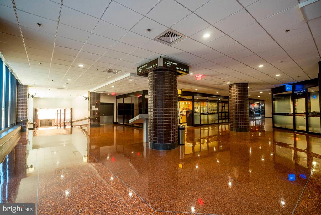 Underground access to Metro, shopping & dining - 1300 CRYSTAL DR #1301S, ARLINGTON