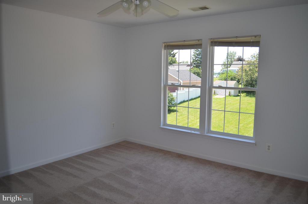 Bedroom 2 w/ large walk-in closet - 6096 EDMONT DR, FREDERICK