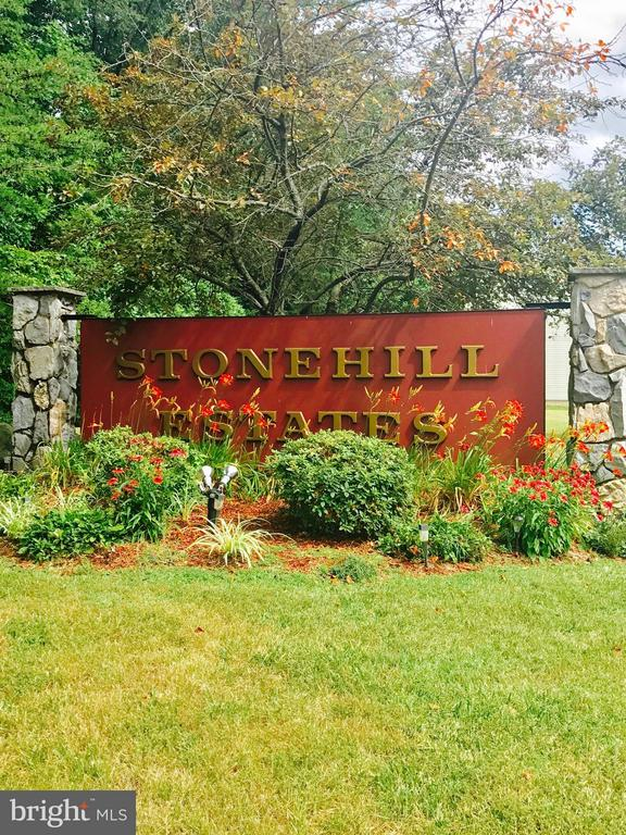 Welcome To Stonehill Estates! - 40 DOROTHY LN, STAFFORD