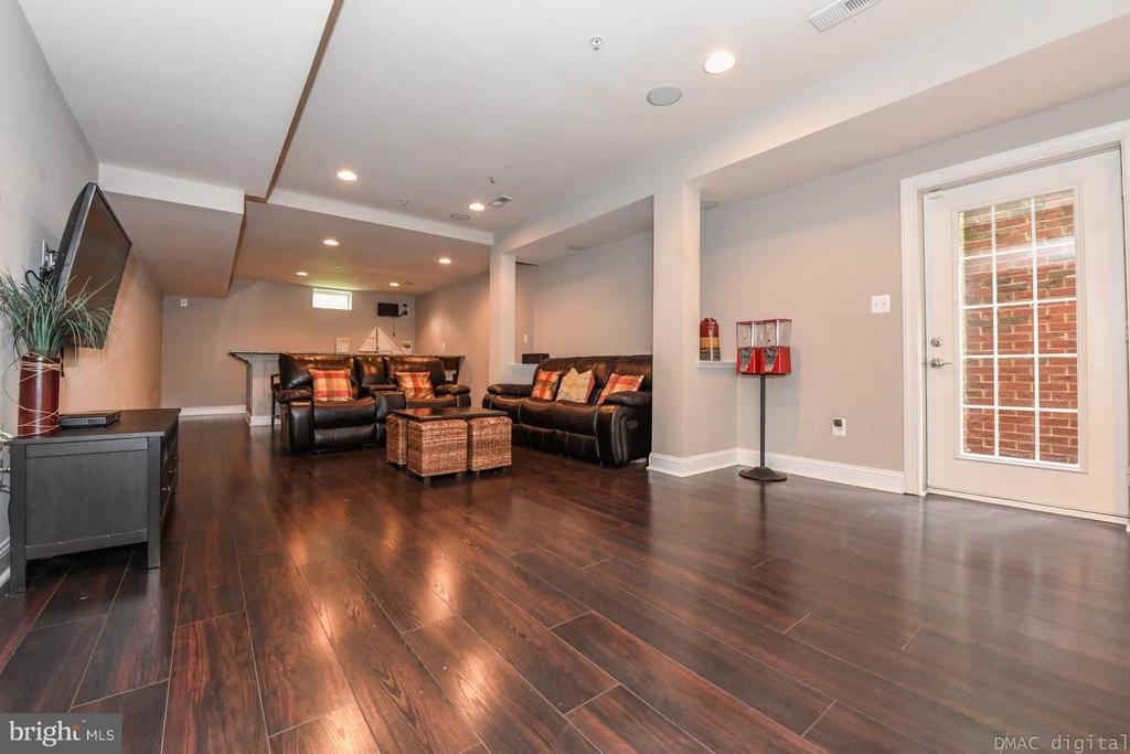 Spacious Fully-Finished Basement - 6720 BOX TURTLE CT, NEW MARKET