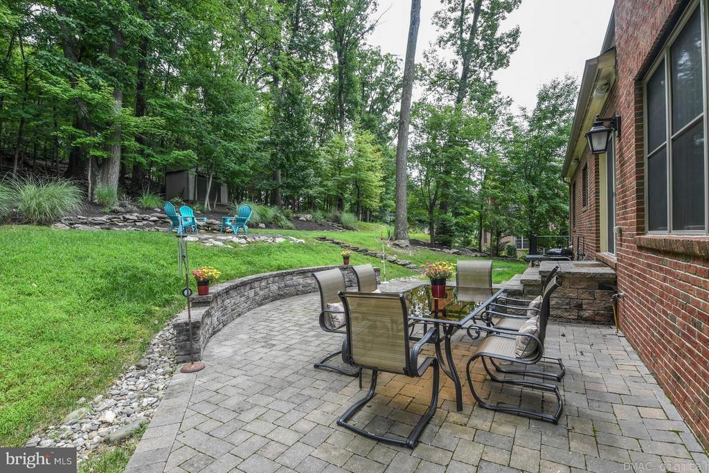 Beautiful and private backyard - 6720 BOX TURTLE CT, NEW MARKET