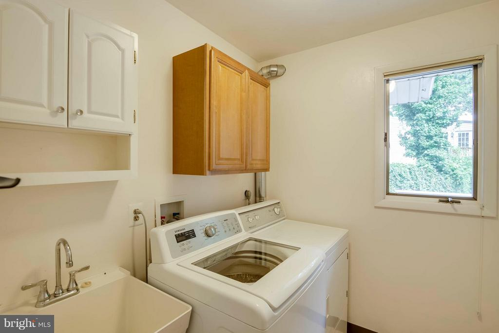 Great laundry room - 7732 OAK ST, FALLS CHURCH
