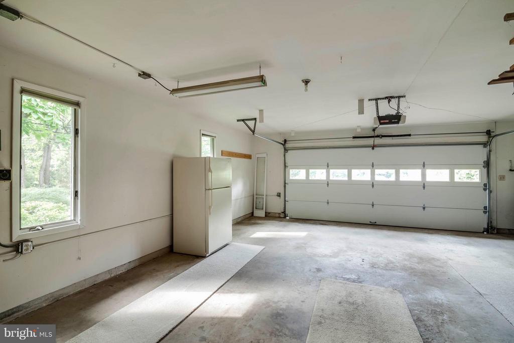 Oversize garage - 7732 OAK ST, FALLS CHURCH