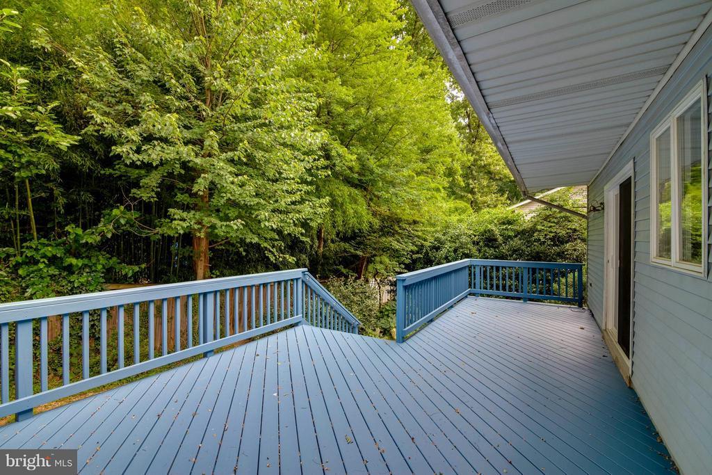 Freshly painted deck - 7732 OAK ST, FALLS CHURCH