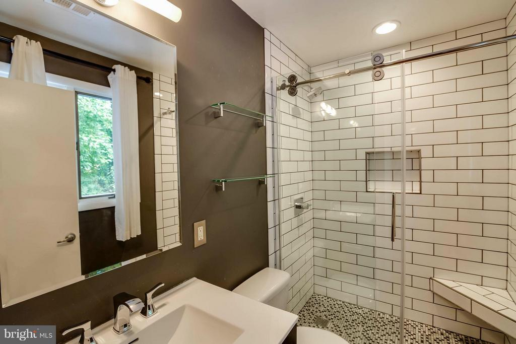 Beautifully renovated owner's bath. - 7732 OAK ST, FALLS CHURCH