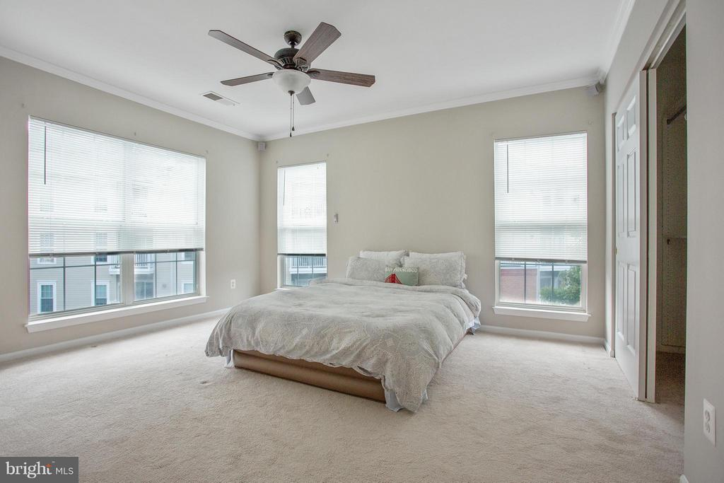 Bedroom (Master) - 7000 FALLS REACH DR #412, FALLS CHURCH