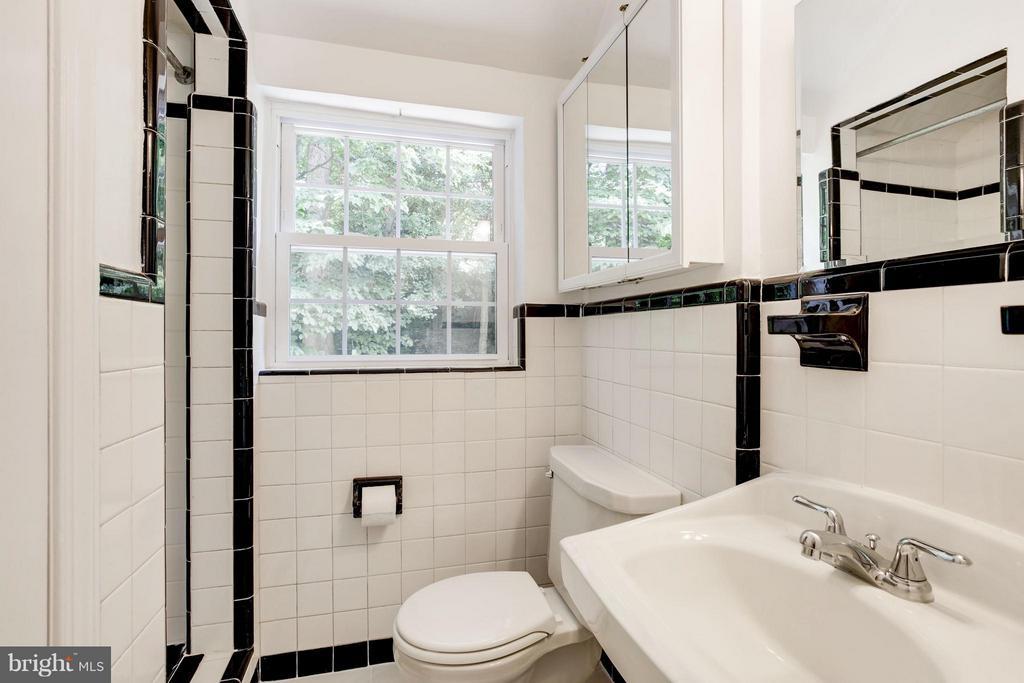 Bath (Master) - 3638 VACATION LN, ARLINGTON