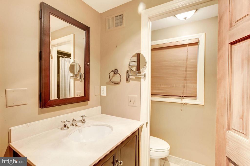 Bath - 3638 VACATION LN, ARLINGTON