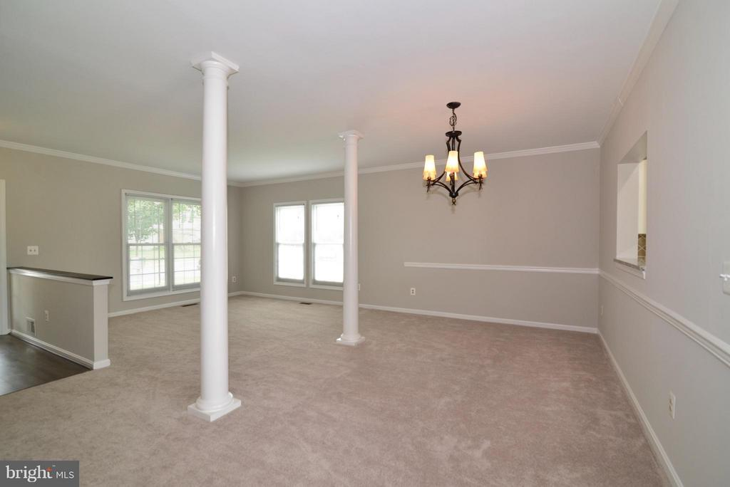 Brand new carpet - 43996 KINGS ARMS SQ, ASHBURN