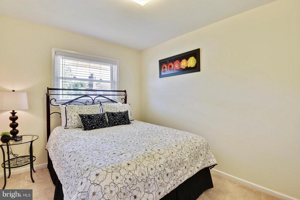 Third bedroom on upper level - 5802 FLAXTON PL, ALEXANDRIA