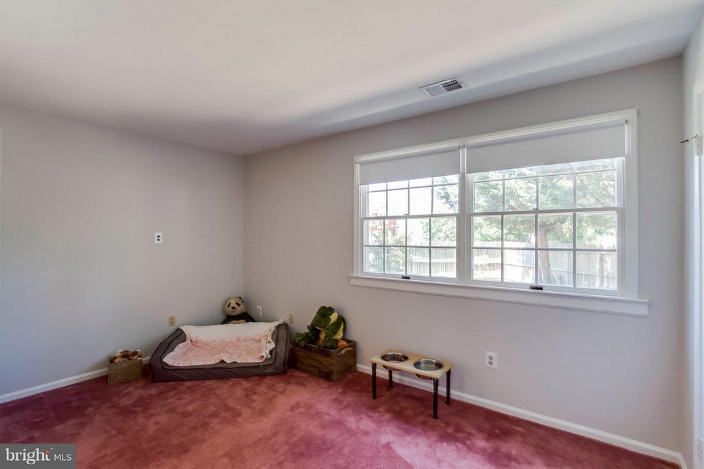 Bedroom - 1107 MAPLE AVE, STERLING